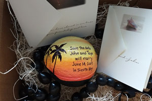 The best tropical wedding invitation idea